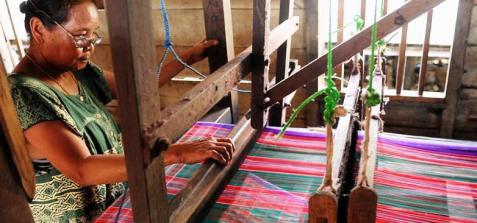 kampung-tenun-samarinda